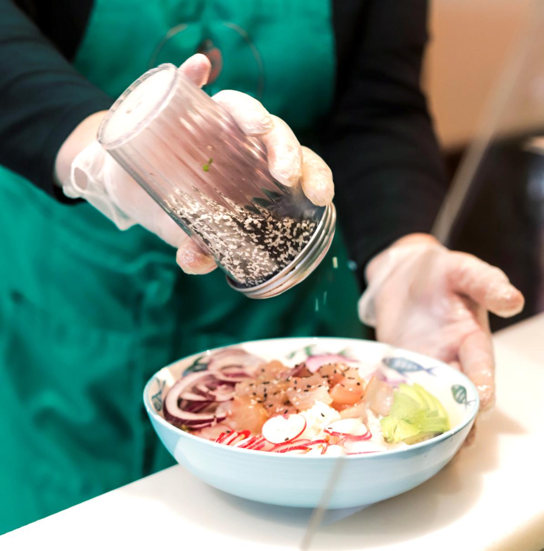 poke bowl saumon sesame poke bar Paris